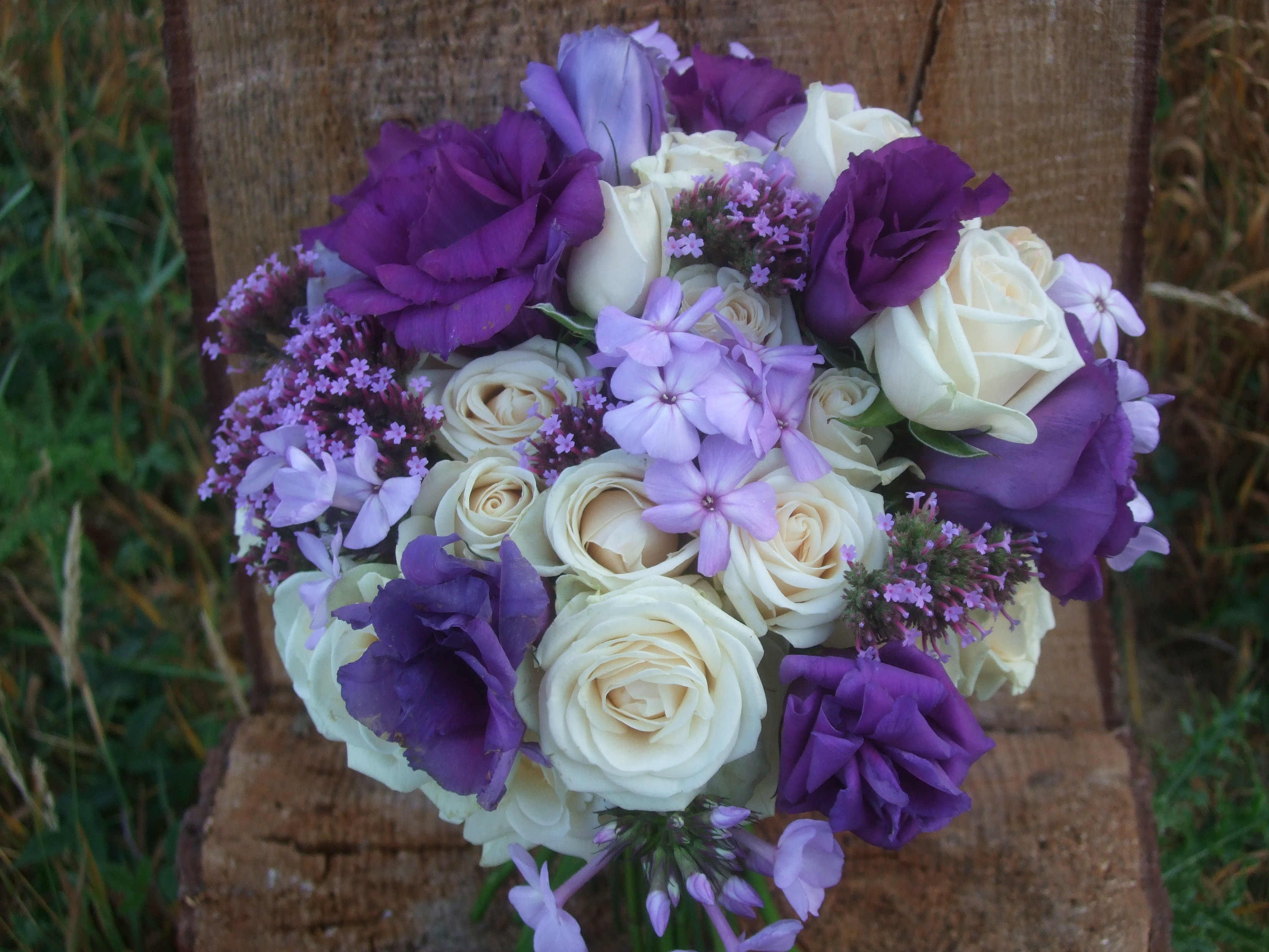 Wedding Bouquet Definition : Country lane theme wedding with local and sustainably