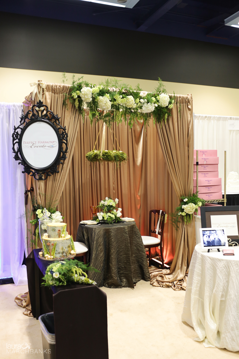 image of woodland theme wedding booth
