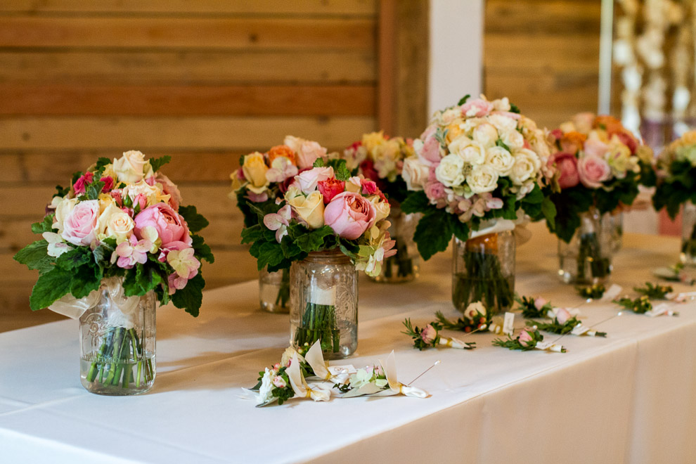 image of bridal party bouquets