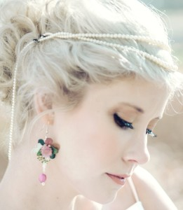 Fresh flower earring made with Gomphrena, Dusty Miller, Snowberry, Hydrangea
