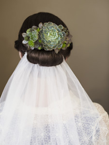 Succulent hairpiece by Vases Wild