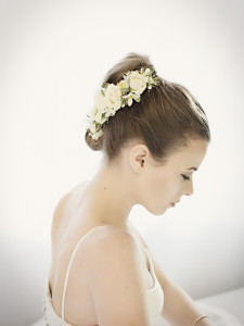 Bridal hairpiece by Vases Wild