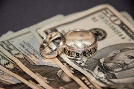 Follow these tips to save money on your wedding | www.tobeynelson.com