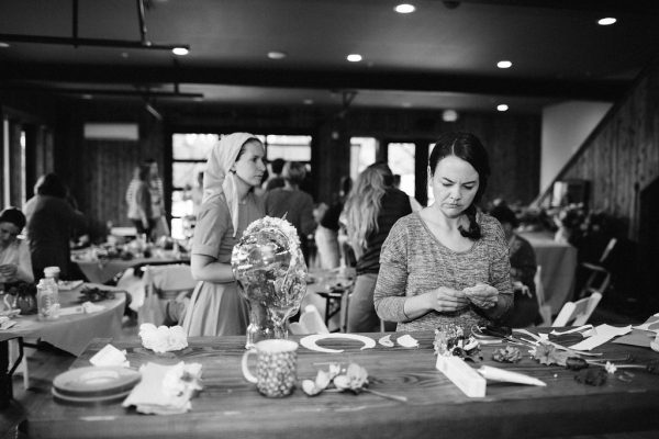Students at work at Whidbey Flower Workshop